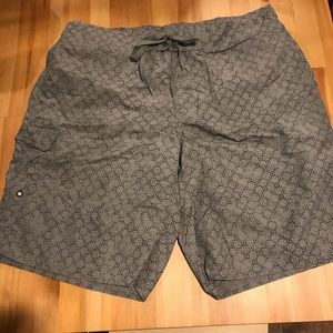 Men's Eddie Bauer swim trunks large grey black